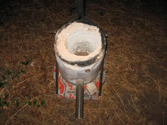 Fundici n de metales en el horno de microondas espacio - Horno de piedra casero ...
